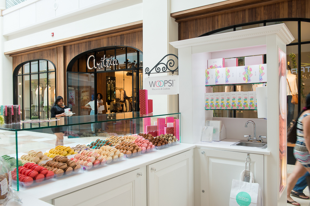 Woops! macaron kiosk in a busy mall